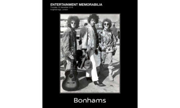 Akustyczna gitara Hendrixa sprzedana na aukcji