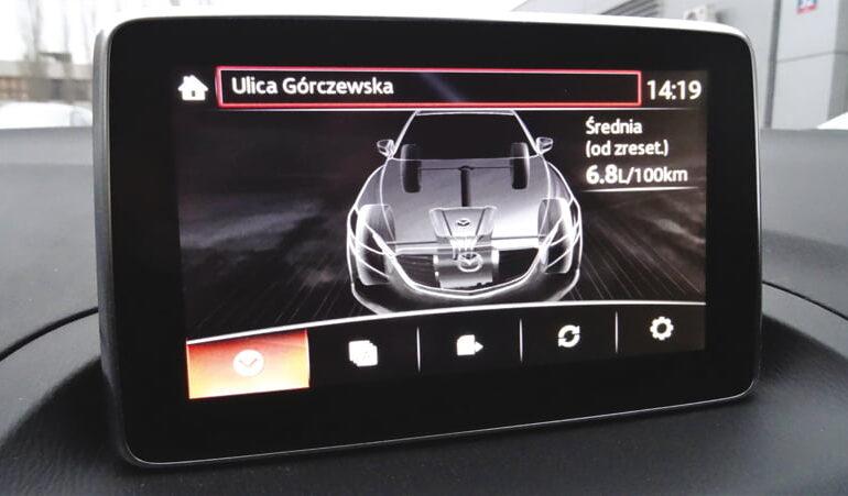 Mazda3_ekran