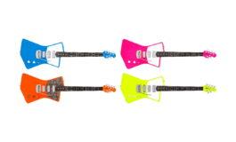 Neonowe gitary Music Man St. Vincent i nowy album