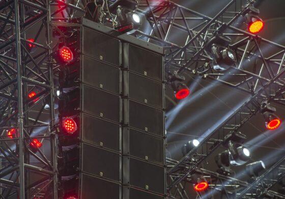 Gigantyczny system audio marki L-Acoustics: 50. Kinder Urodziny na Stadionie Narodowym w Warszawie
