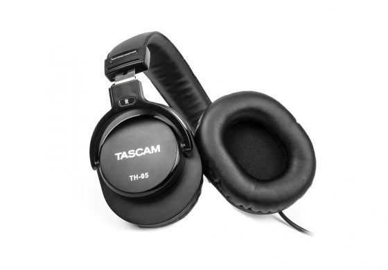 TASCAM TH-05 – dynamiczne słuchawki monitorowe