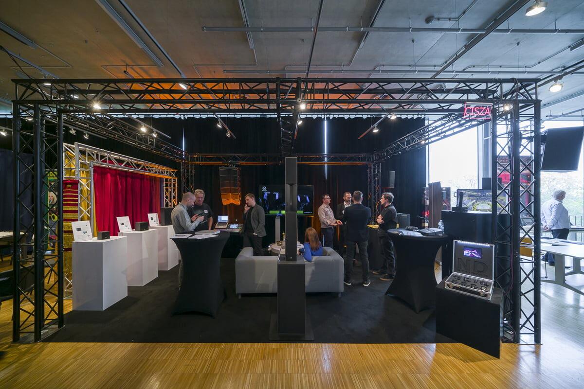 Wystawa rozwiązań Audio Plus dla teatrów podczas sympozjum OISTAT