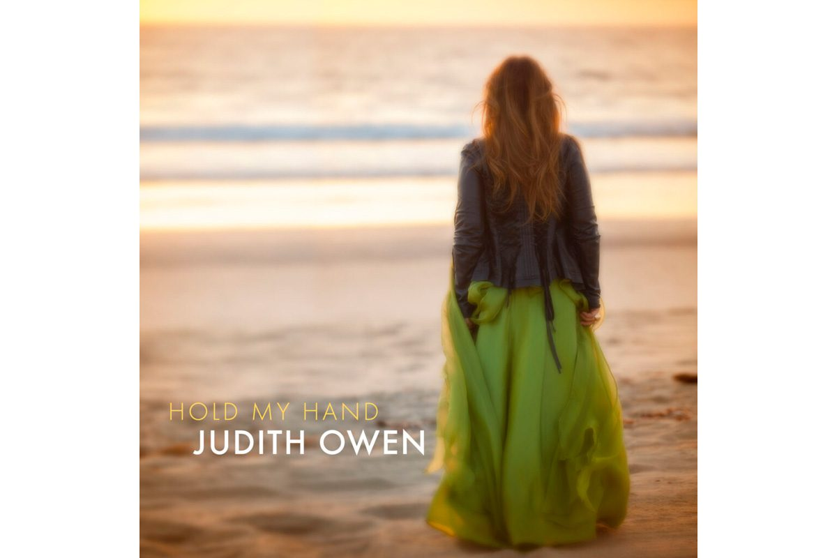 "Judith Owen z singlem ""Hold My Hand"""