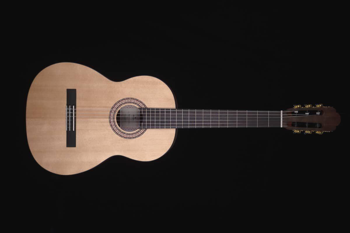 Prodipe Primera – nowe rozmiary gitary dla początkujących