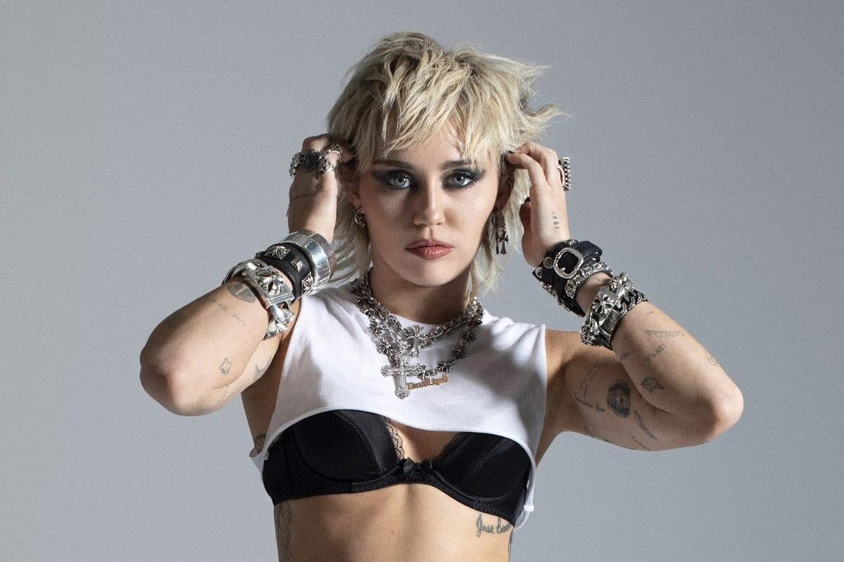 """""""Plastic Hearts"""" – nowa płyta Miley Cyrus już dostępna"""