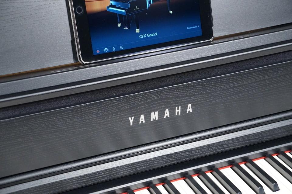 Yamaha CLP-775 iPad