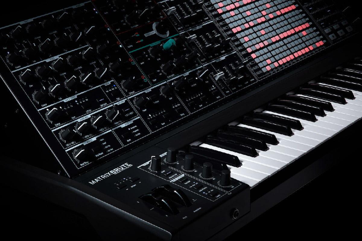MatrixBrute Noir – mroczna odsłona syntezatora firmy Arturia