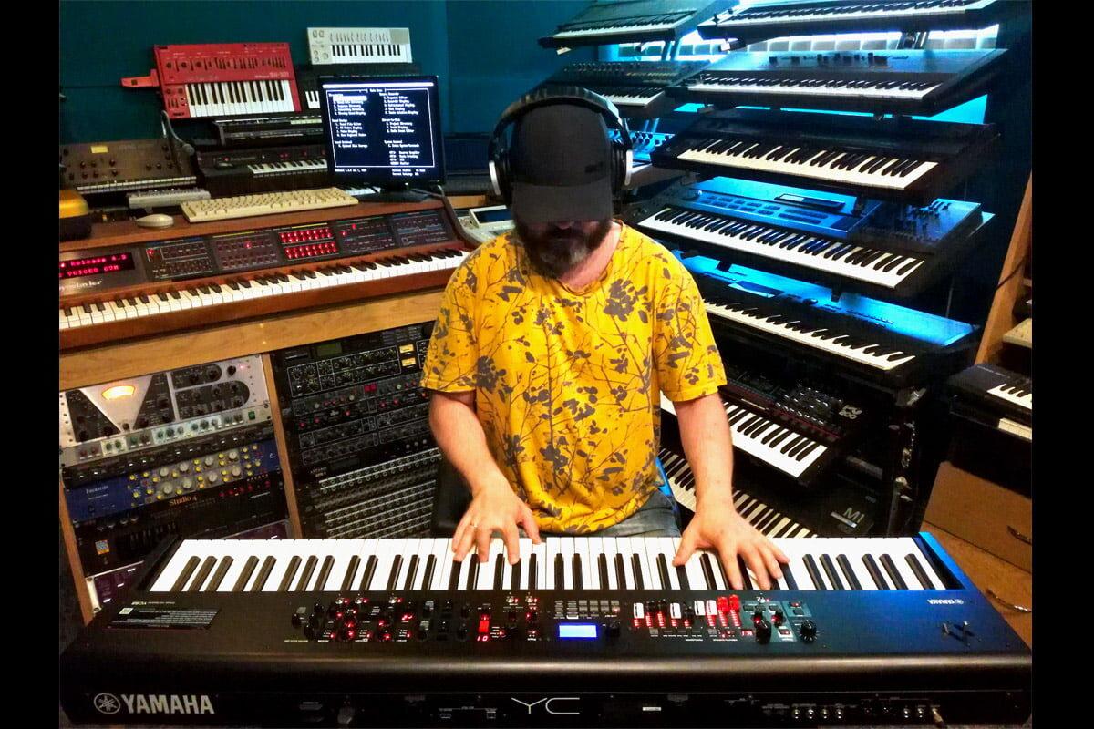 Wojtek Olszak o instrumencie Yamaha YC88 – wywiad